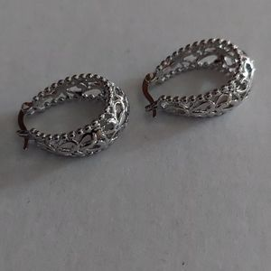 Earrings  nwot